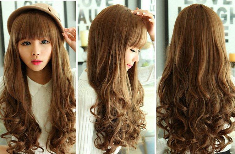 Tóc uốn xoăn mái bằng là kiểu tóc giả có thể che đi toàn bộ phần tóc thật