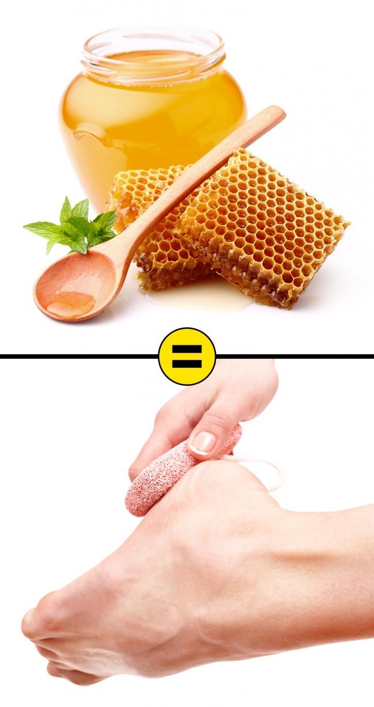 Pha một thìa mật ong vào chậu nước ấm và ngâm chân trong khoảng 20 phút. Sử dụng đá bọt biển để chà xát chân sau đó rửa sạch, chờ khô, thoa kem dưỡng ẩm. Mật ong có tính kháng viêm và bổ sung độ ẩm, làm mềm da.
