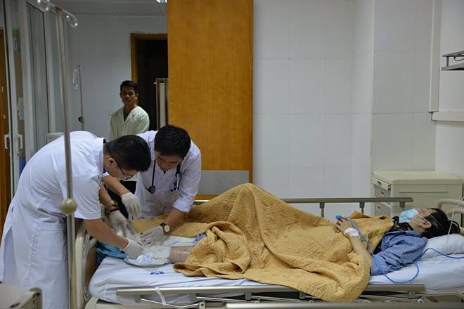 Chàng trai trẻ phải cắt bỏ chân do đắp lá chữa tiểu đường - Ảnh 1