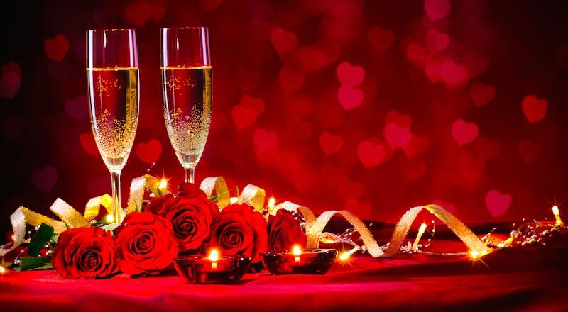 Đừng để yêu thương chưa kịp chạm tới thì vội biến mất, hãy hành động ngay vào dịp ngày lễ tình nhân nên tặng gì cho bạn gái.  - Ảnh 4