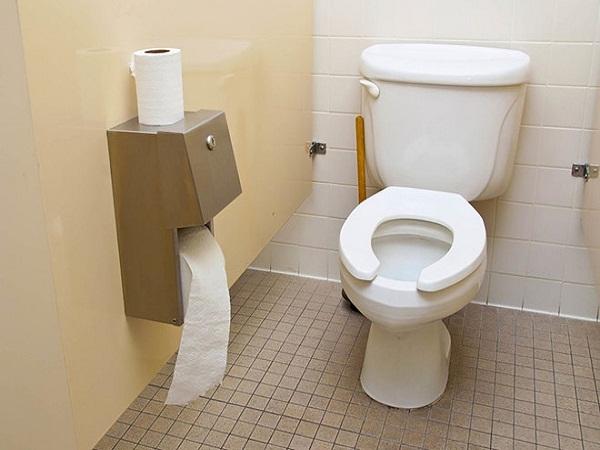 Lỗi thường gặp khi dùng nhà vệ sinh - Ảnh 1