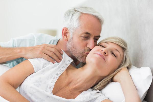 Liệu pháp hormone có thể được sử dụng để điều trị các triệu chứng trong thời kỳ mãn kinh.