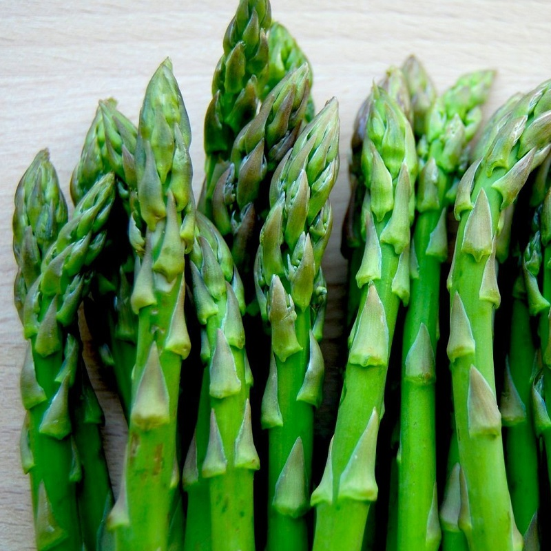 Không chỉ mang đến hương vị giòn tan, giúp bữa ăn thêm tròn vị, măng tây còn mang đến nhiều lợi ích cho sức khỏe