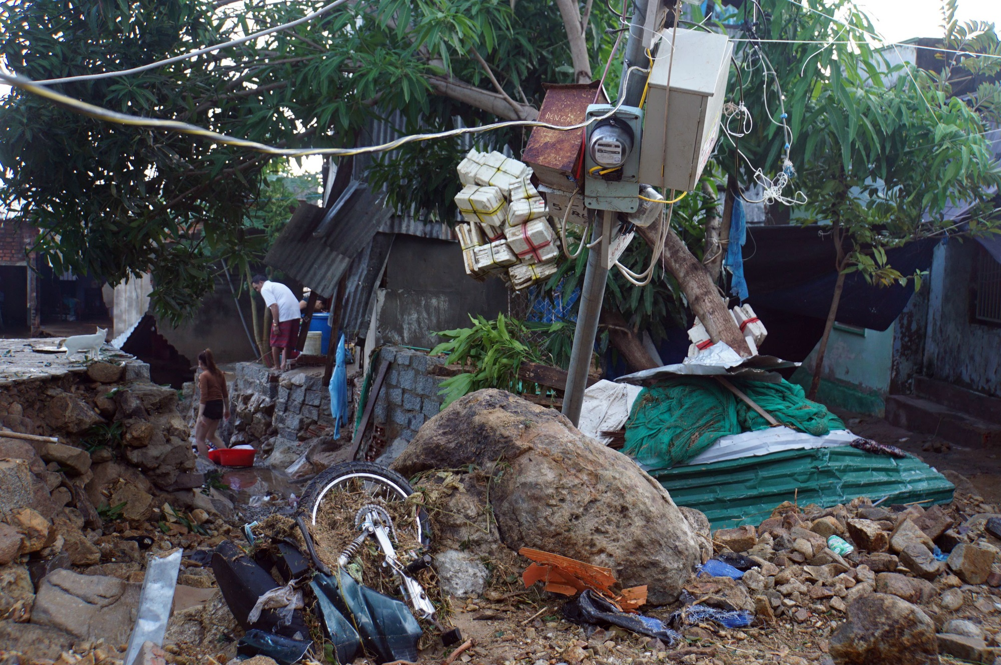 Thôn nghèo tan hoang, 5 người chết và mất tích sau cơn thịnh nộ của thiên nhiên - Ảnh 4