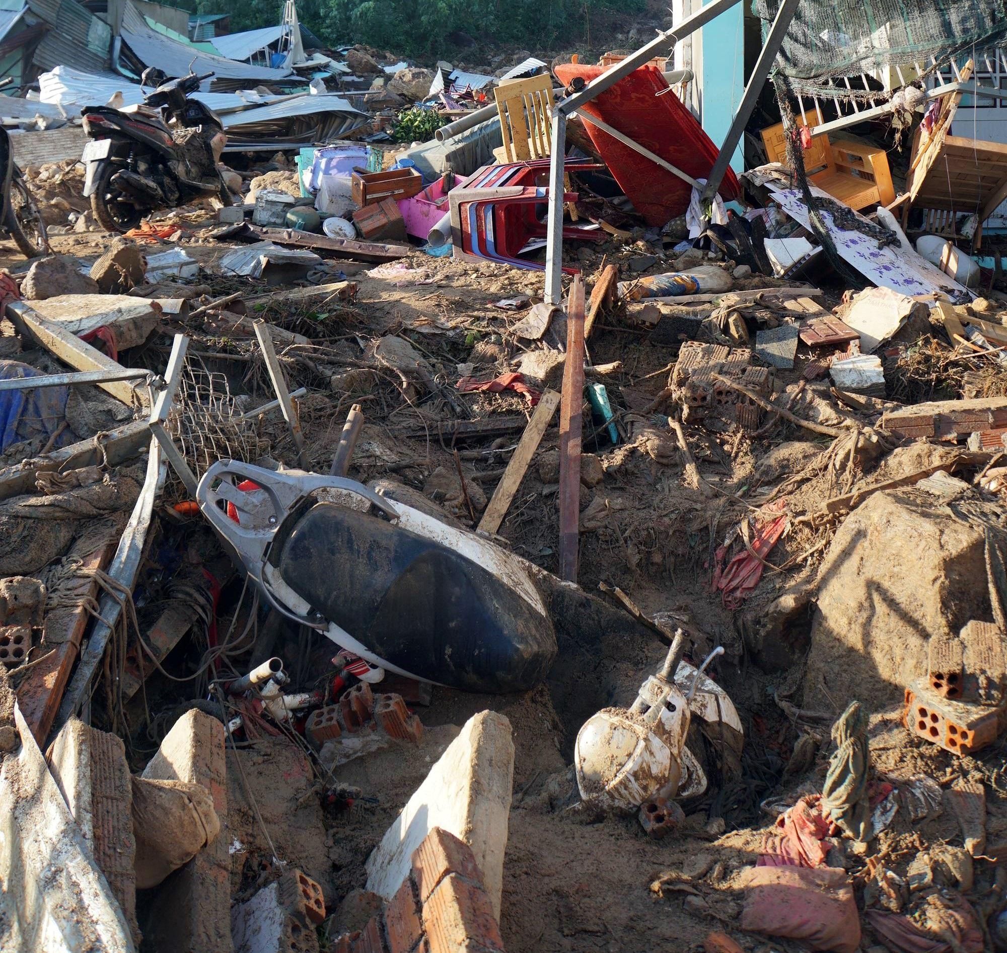 Thôn nghèo tan hoang, 5 người chết và mất tích sau cơn thịnh nộ của thiên nhiên - Ảnh 5