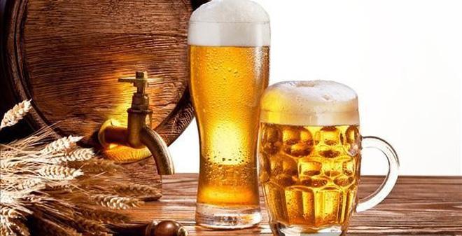 Để hạn chế tình trạng viêm mũi dị ứng, người bệnh nên kiêng dùng rượu, bia, thuốc lá