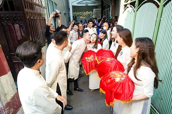 Dàn sao 'Gạo nếp gạo tẻ' vui nhộn bưng quả trong lễ rước dâu của Vũ Ngọc Ánh - Anh Tài - Ảnh 8