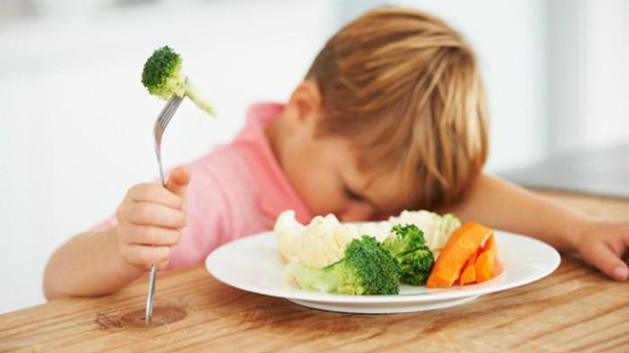 Tuyệt chiêu đơn giản giúp mẹ khắc phục tình trạng lười ăn rau ở trẻ - Ảnh 1
