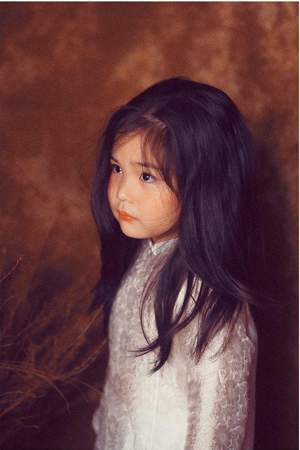 Phiên bản 'thiếu nữ bên hoa huệ' của cô bé 5 tuổi 'gây bão' cộng đồng mạng, hội chị em nhất quyết 'phải sinh con gái' - Ảnh 8