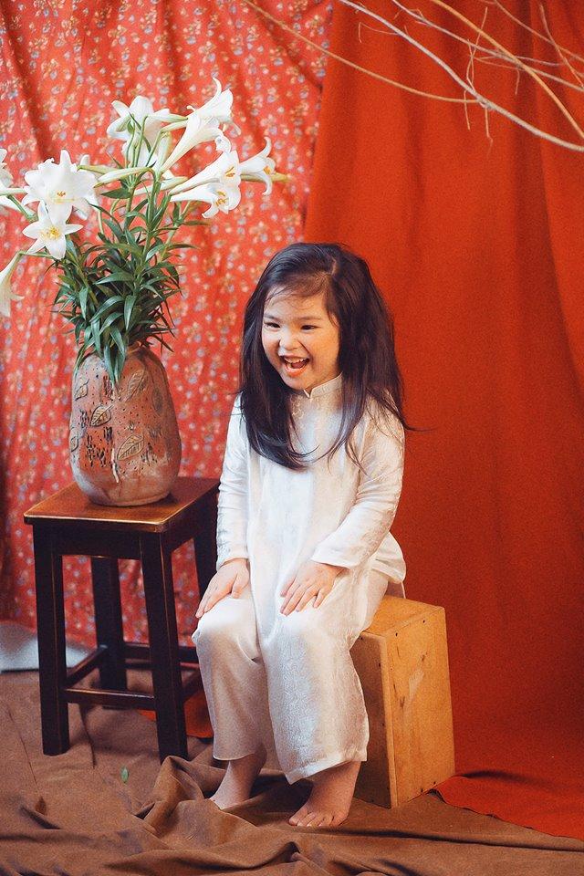 Phiên bản 'thiếu nữ bên hoa huệ' của cô bé 5 tuổi 'gây bão' cộng đồng mạng, hội chị em nhất quyết 'phải sinh con gái' - Ảnh 6