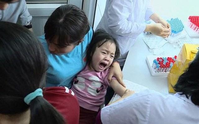 Chấn chỉnh bữa ăn trường học sau vụ hàng loạt học sinh Bắc Ninh nhiễm sán lợn - Ảnh 1