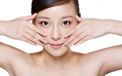 Các nghiên cứu cho thấy lòng đỏ trứng giàu chất chống oxy hóalutein và zeaxanthin, có tác dụng bảo vệ mắt và đẩy lùi chứng thoái hóa điểm vàng