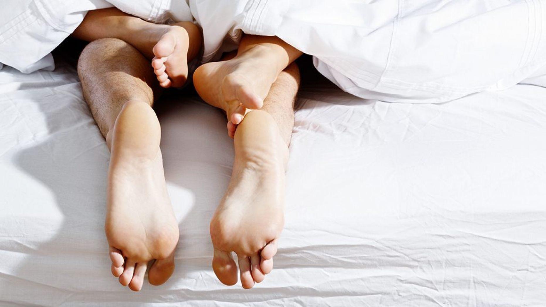 Bệnh lây qua đường tình dục là những căn bệnh nguy hiểm dễ lây lan khi quan hệ tình dục không lành mạnh.
