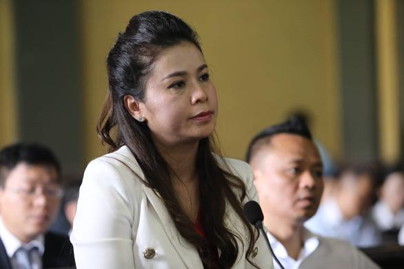 Vợ ông Đặng Lê Nguyên Vũ 'giữ nguyên yêu cầu ly hôn' - Ảnh 1