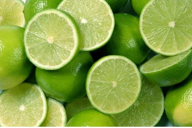Chanh có tính axit giúp làm sạch bề mặt bàn ủi hiệu quả