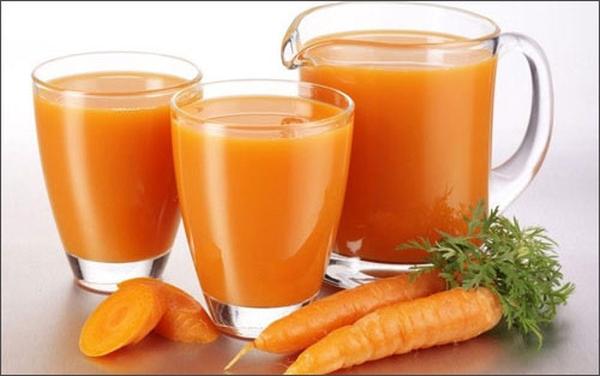 Mỗi ngày, bạn hãy uống 1 ly nước ép hoặc sinh tố cà rốt để thanh lọc cơ thể và phòng tránh các bệnh về thận