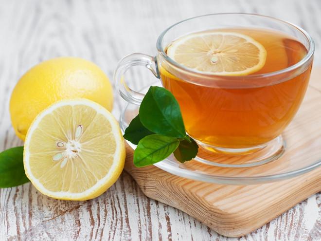 Nước chanh và mật ong giúp bạn giảm cân.