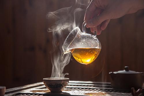 Uống trà quá nóng làm tăng nguy cơ ung thư - Ảnh 1