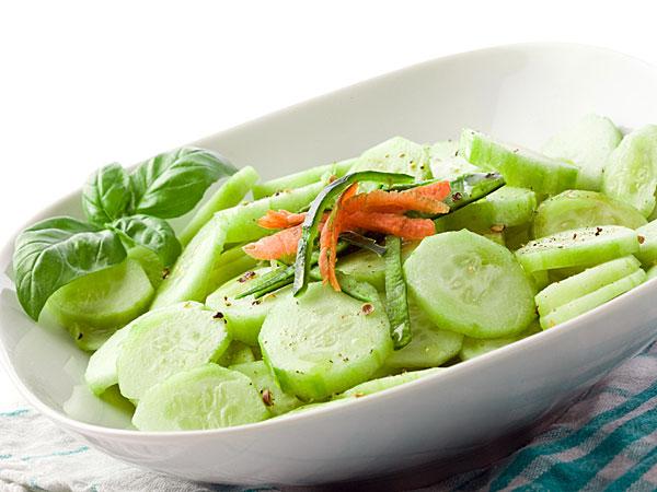 Món salad dưa chuột truyền thống