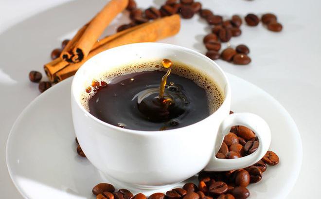 Một trong những món phải hạn chế dùng vào dịp Tết là cà phê