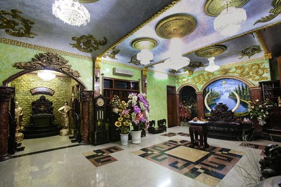 Khám phá căn biệt thự triệu đô của 'ông hoàng nhạc sến' Ngọc Sơn - Ảnh 3
