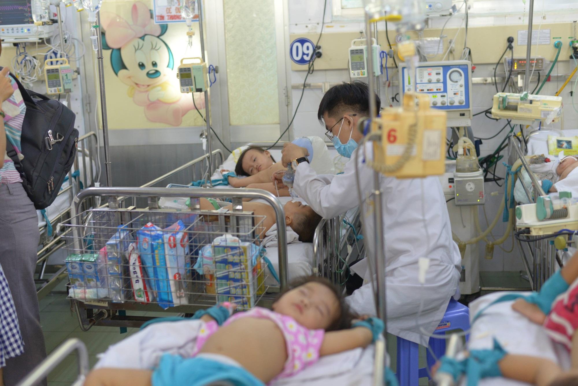 TPHCM: Bệnh tay chân miệng tăng đột biến, đã có trường hợp tử vong - Ảnh 2