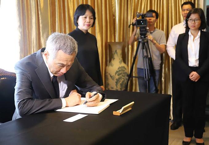 Lễ viếng Chủ tịch nước Trần Đại Quang tại các nước - Ảnh 12