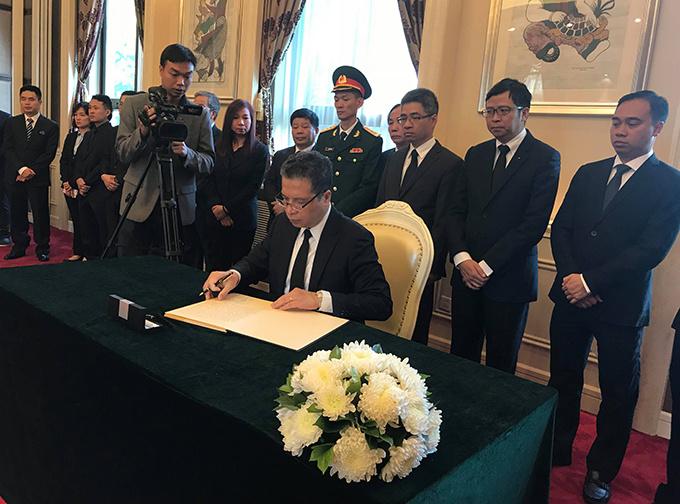 Lễ viếng Chủ tịch nước Trần Đại Quang tại các nước - Ảnh 16