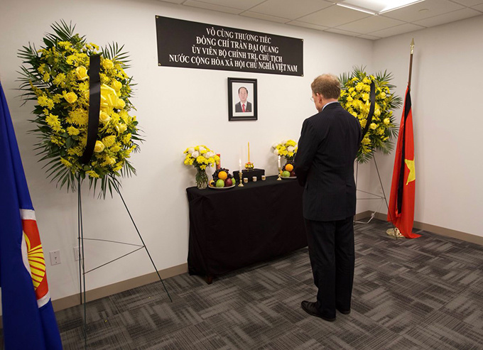 Lễ viếng Chủ tịch nước Trần Đại Quang tại các nước - Ảnh 7