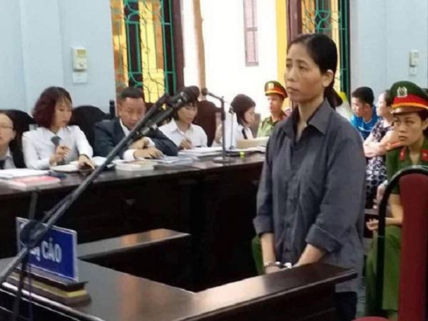 Quyết định bất ngờ tại tòa vụ nữ y sĩ nghi làm 103 trẻ bị sùi mào gà - Ảnh 1