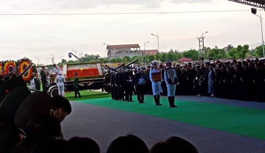 Chủ tịch nước Trần Đại Quang đã về với đất mẹ quê hương - Ảnh 1