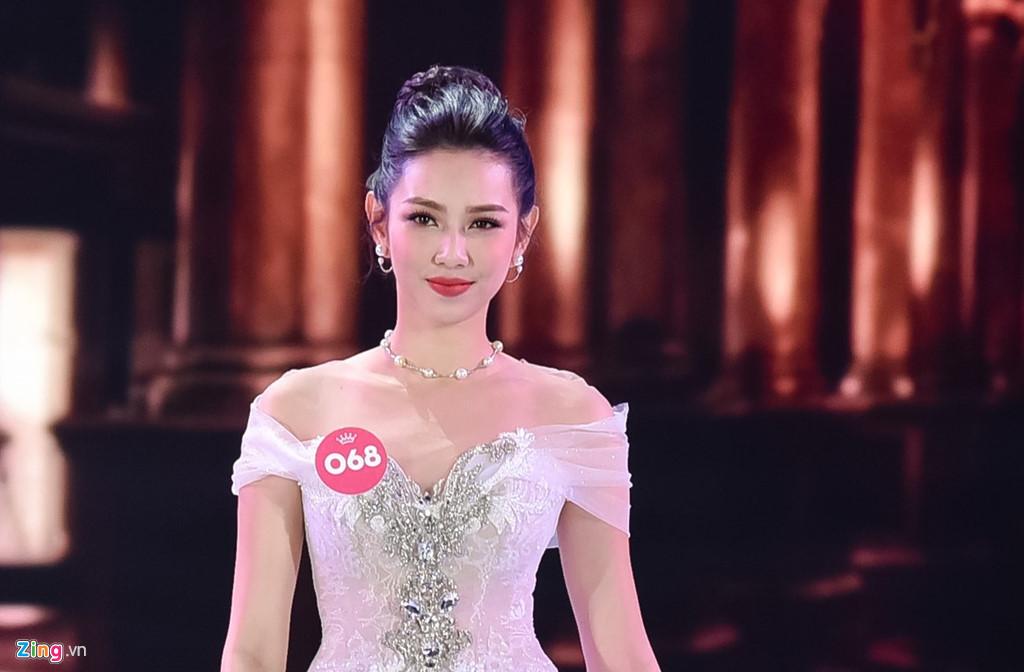 Top 5 Hoa hậu Việt Nam làm việc 18 tiếng/ngày, kiếm từ 60.000 đồng - Ảnh 2