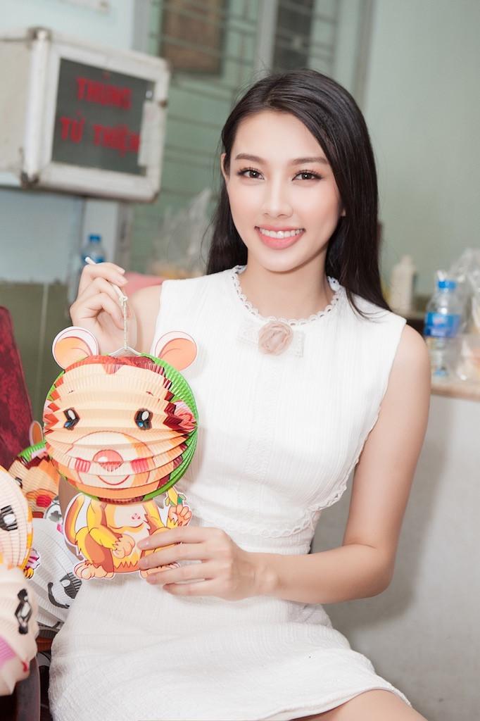 Top 5 Hoa hậu Việt Nam làm việc 18 tiếng/ngày, kiếm từ 60.000 đồng - Ảnh 3