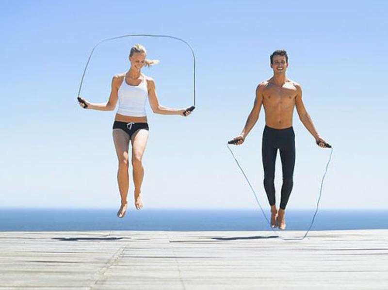 Việc tập luyện thể thao thường xuyên sẽ giúp chị em biết điều chỉnh hơi thở đúng cách, tăng khả năng ổn định khi quan hệ.