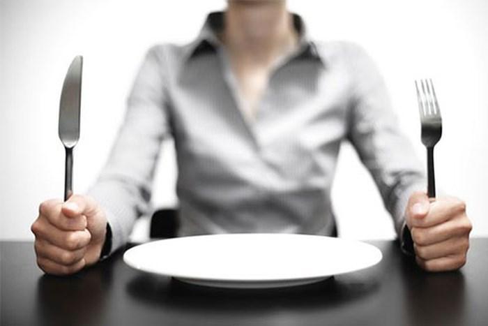 uống sữa đậu nành khi đói khiến bụng cồn cào và cơ thể mệt mỏi hơn