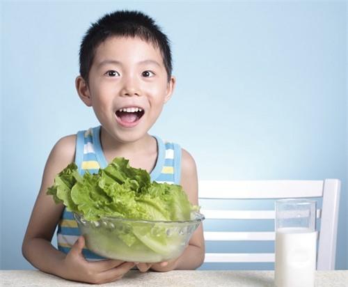 Những sai lầm trong cách ăn uống khiến trẻ 'càng lớn càng lùn' - Ảnh 2