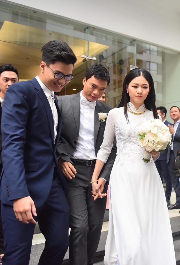 Chồng đại gia hơn Thanh Tú 16 tuổi rước dâu bằng dàn siêu xe 60 tỷ đồng - Ảnh 4