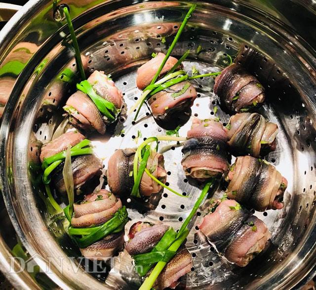 Tối nay ăn gì: Cách làm món lươn cuốn thịt rán thơm phức, bé ăn vừa ngon vừa bổ - Ảnh 5