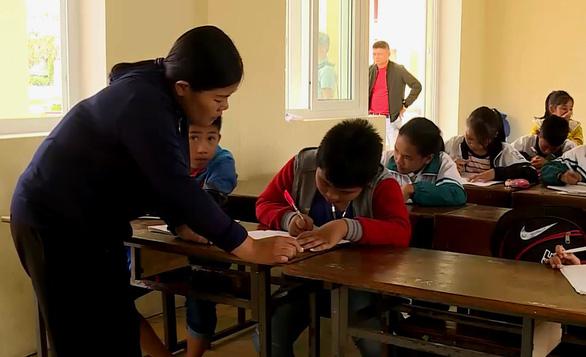 Khởi tố nữ giáo viên chỉ đạo cả lớp tát học sinh 231 cái  - Ảnh 1