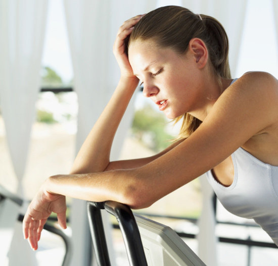 Việc thực hiện một số động tác chống đẩy với cường độ cao có thể khiến bạn bị đau ngực nghiêm trọng