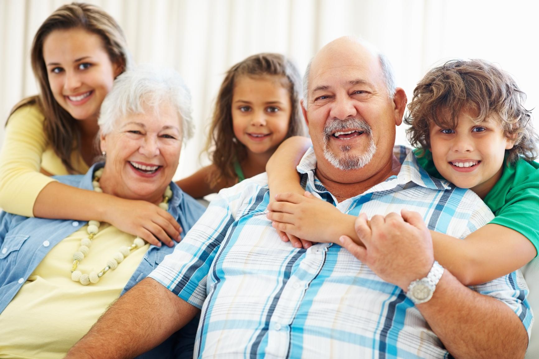 Mâu thuẫn nuôi dạy con giữa mẹ ruột, mẹ chồng và con dâu - Ảnh 1