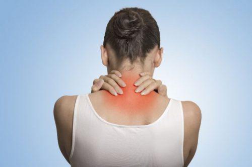 Trong một vài trường hợp, đau nửa đầu sẽ khiến vùng cổ của bạn bị căng cứng