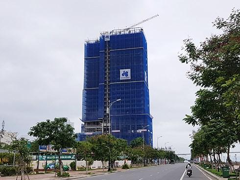 Hiện dự án Risemount Apartment Đà Nẵng đã hoàn thành phần móng với 2 tầng hầm và xong phần thô đến tầng thứ 26 (Ảnh: HC)