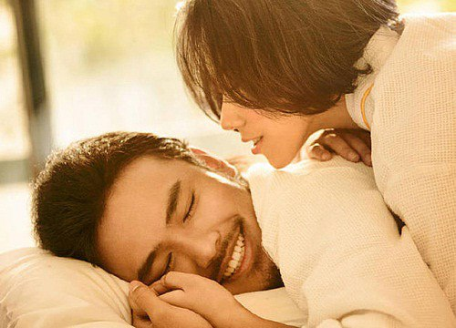 """Phụ nữ thông minh đôi khi nên biết cách """"hư hỏng"""" với chồng trong chuyện giường chiếu"""