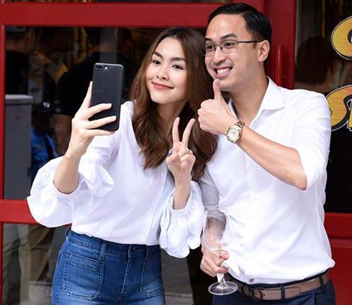 Mỹ nhân Việt 'số hưởng': Chồng giỏi kiếm tiền còn là 'ông bố bỉm sữa' đảm đang khó ai bì kịp - Ảnh 1