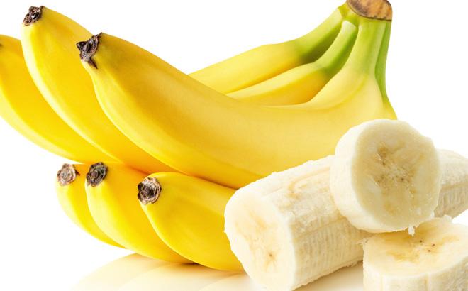 Những quả chuối vàng ươm và cuống còn tươi sẽ đảm bảo nguồn dinh dưỡng và năng lượng cho cơ thể