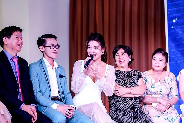 Hội trường Đại hội thẩm mỹ JW 'nổ tung' vì độ hot của dàn sao Việt và người đẹp thẩm mỹ - Ảnh 12