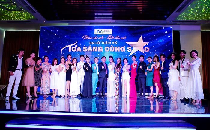 Hội trường Đại hội thẩm mỹ JW 'nổ tung' vì độ hot của dàn sao Việt và người đẹp thẩm mỹ - Ảnh 7