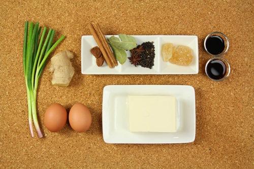 Đậu phụ kho trứng đậm đà, ấm áp - Ảnh 1