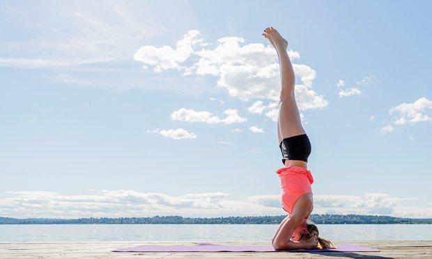 Những bài tập yoga đơn giản, dễ thực hiện tại nhà giúp quý ông có đời sống tình dục thăng hoa - Ảnh 4